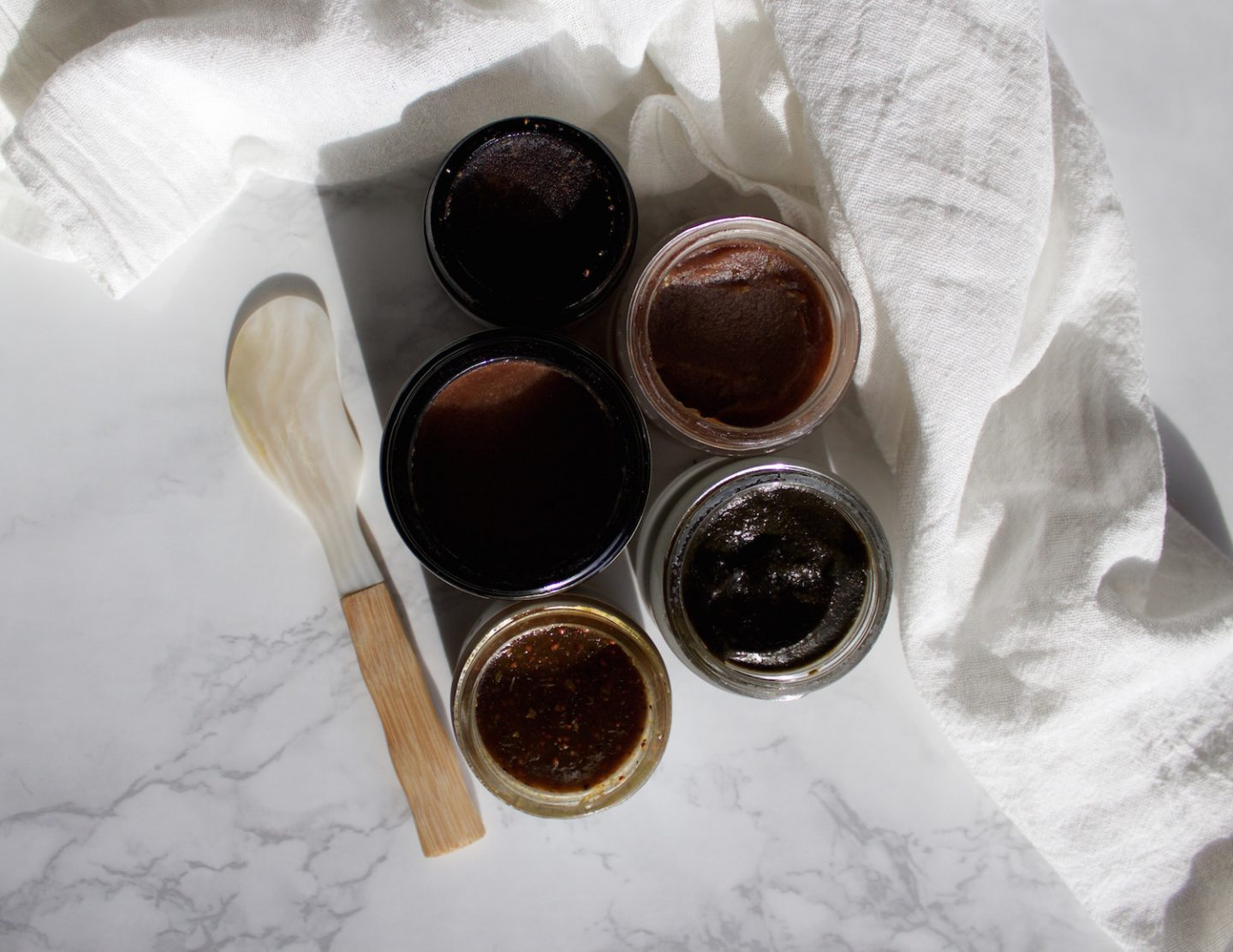 Manuka Honey | The Benefits For Your Skin + My Favorite Masks